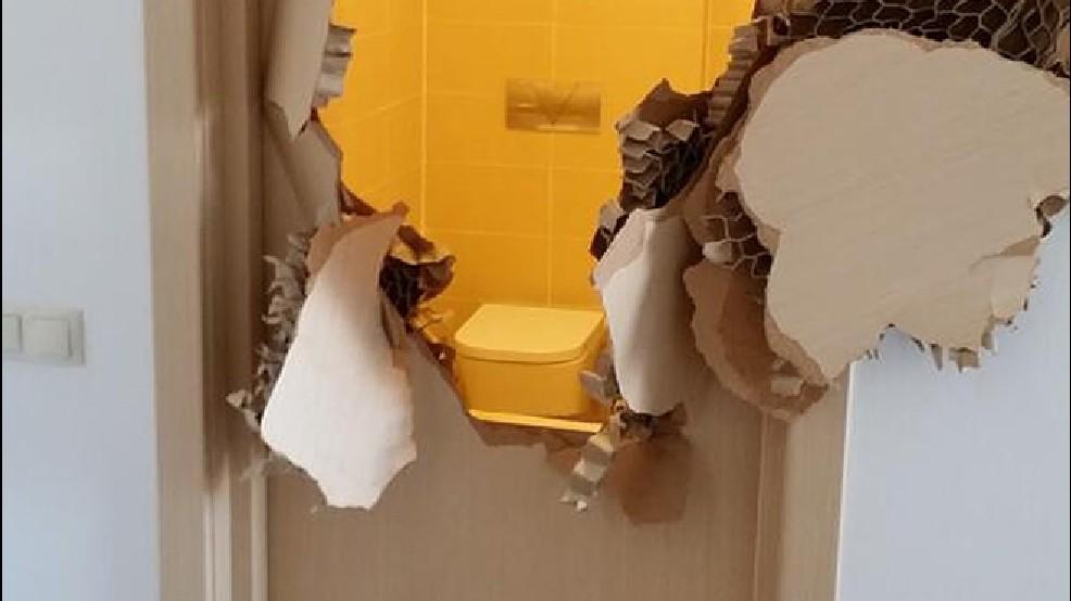 Locked in bathroom, Olympic bobsledder breaks down door   KEPR